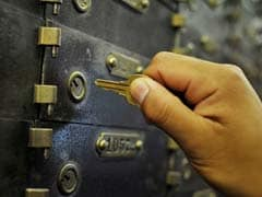 Private Firm Stashes 10 Crore In Bank Lockers? Searches Held In Pune