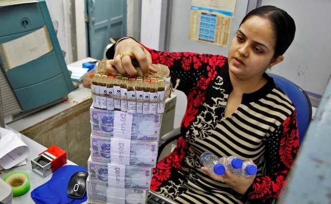 2025 तक भारत की अर्थव्यवस्था 325,00,000 करोड़ डॉलर की होगी: वित्त मंत्रालय