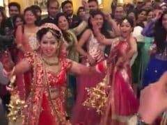 Millions Are Watching This Bride Dancing. <i>Pura</i> Facebook <i>Thumakda</i>. But Why?