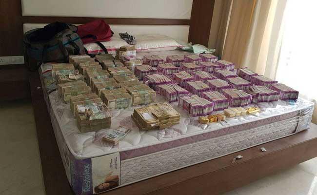 बेंगलुरु : आयकर विभाग के छापे में 6 करोड़ रुपये जब्त, अधिकतर नए नोट