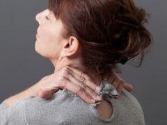 कंधे का दर्द देता है दिल की बीमारी का संकेत, जानें कैसे