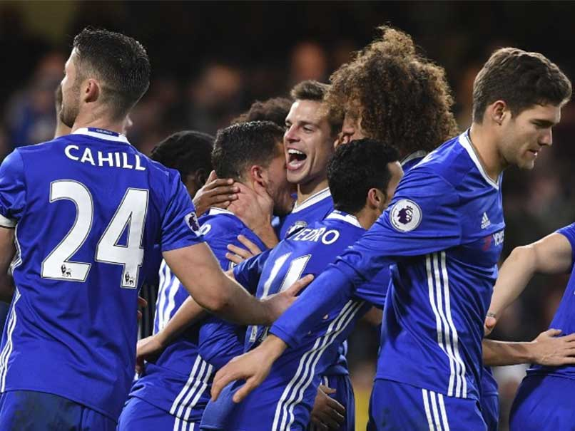 Chelsea record 12th consecutive win; Olivier Giroud rescues Arsenal
