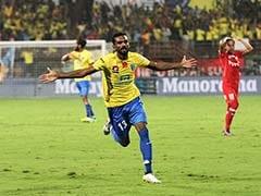 ISL 2016: Kerala Blasters Beat NorthEast United to Seal Play-Off Spot