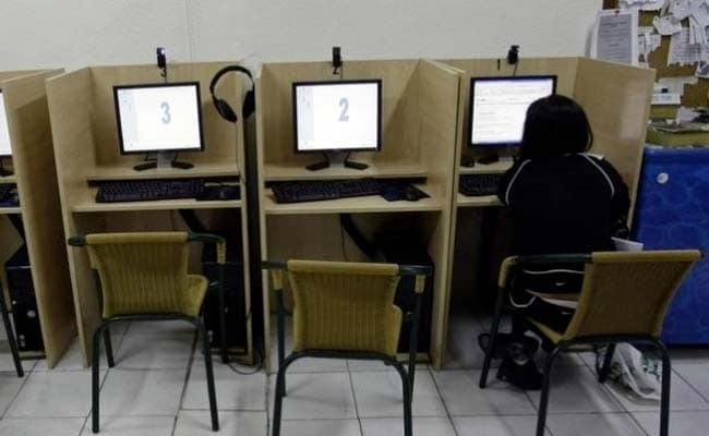 Cyber Cafe Porn 15