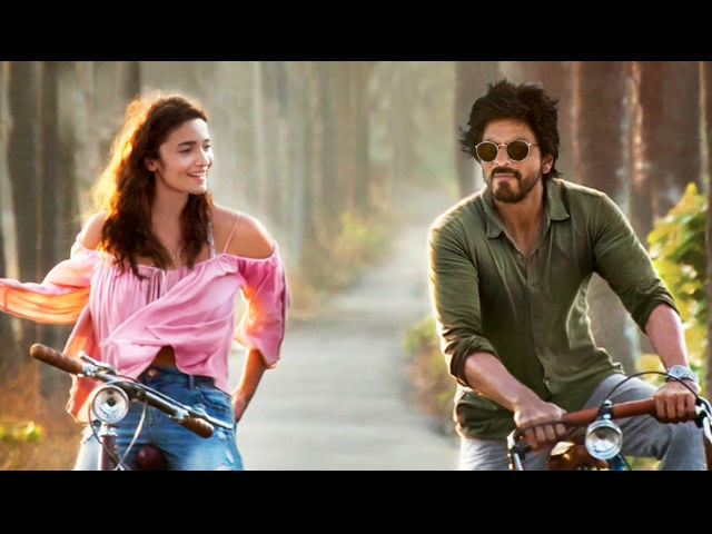 Shah Rukh Khan, Alia Bhatt's Dear Zindagi Copied? Director Says She's 'Not So Dumb'