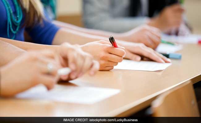 Tamil Nadu Makes 'Final Effort' For Exemption From National Medical Entrance Test NEET