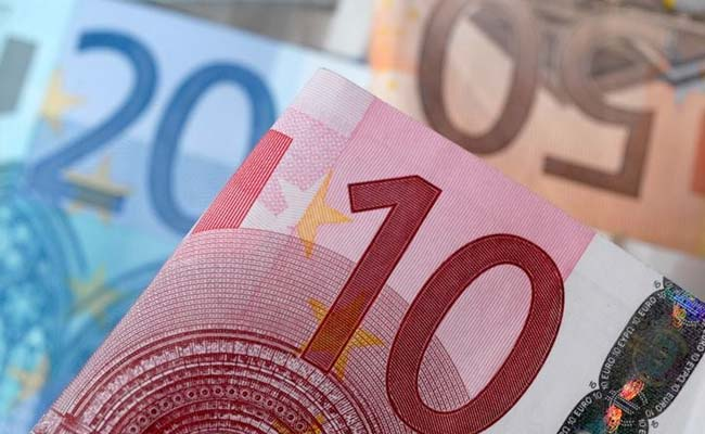 A Start-Up Is Giving 1000 Euros A Month For A Year. Here's Why
