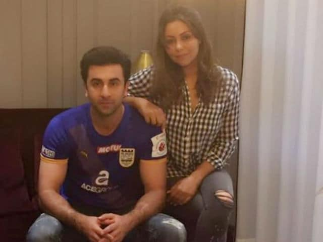 Ranbir Kapoor Moves Into New Home, Invites Gauri Khan Over