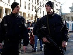 European Cities Ramp Up Security For New Year After Berlin Attack