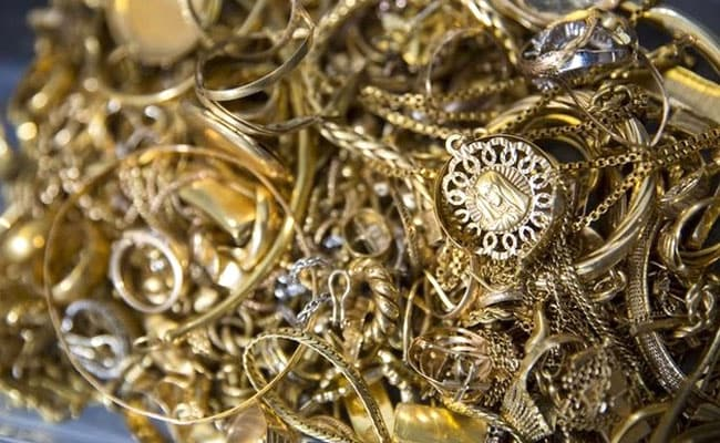 3.5 Kg Gold Jewellery Stolen From A Jeweller's Car