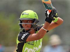 All-Round Harmanpreet Kaur Guides Sydney Thunders to Easy Victory