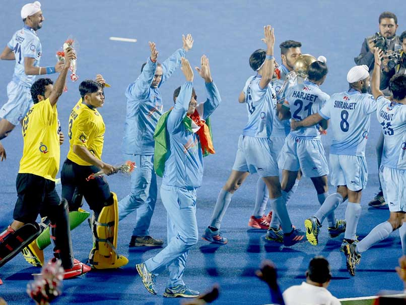 Virender Sehwag Congratulates Indian Junior Hockey Team in his Trademark Style