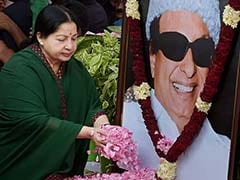 """For 2 Days, Jayalalithaa Stood By MGR's Body. She Did Not Shed A Tear."""