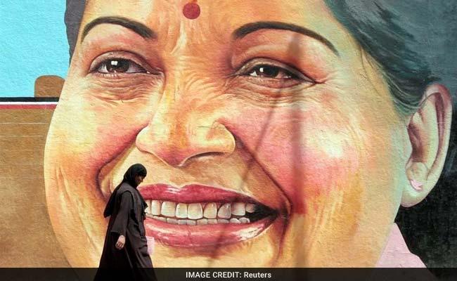 'अम्मा' जयललिता ने इंटरव्यू के बाद करण थापर से कहा 'आपसे मिलकर बिल्कुल खुशी नहीं हुई'