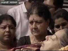 Jayalalithaa's Body At Rajaji Hall, Thousands Pay Tribute: 10 Updates
