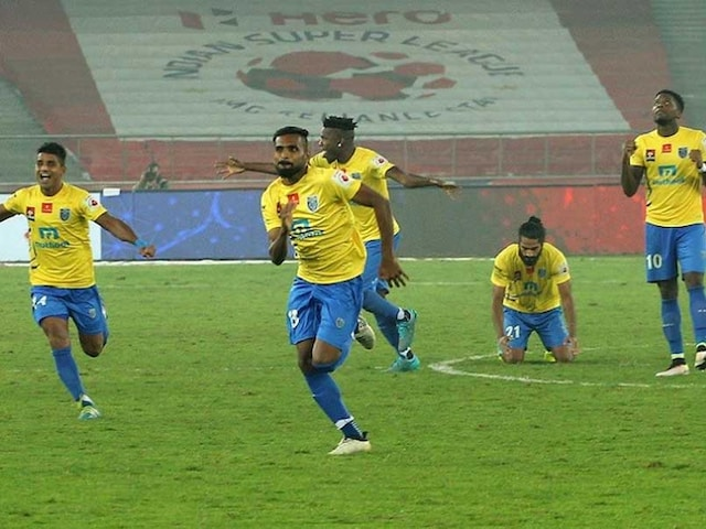Indian Super League: Kerala Blasters Shoot-Out Delhi Dynamos, Set up Title Clash With Atletico de Kolkata