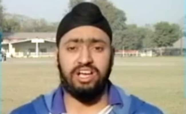 पाकिस्तान के पहले सिख क्रिकेटर महिंदर पाल सिंह ने घरेलू क्रिकेट में रचा इतिहास, जानिए इस खिलाड़ी के बारे में...
