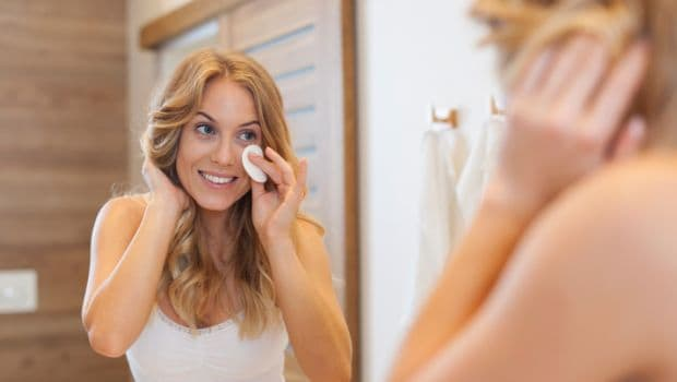 5 Natural Ways to Remove Make Up