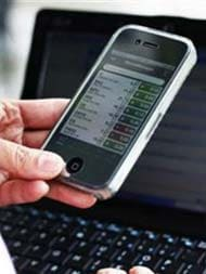 Give Rs 1,000 Subsidy To Buy Smartphones, Says Chief Ministers' Panel