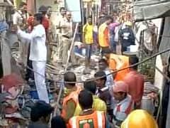 मुंबई के मनखुर्द इलाके में मकान गिरा-3 मरे, कई घायल