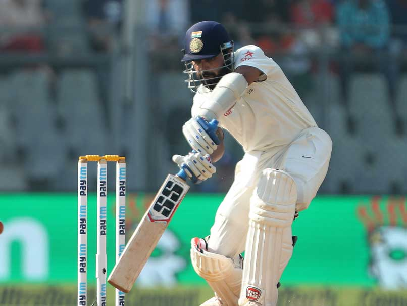Murali Vijay Stands Tall Against England's Bowling Attack