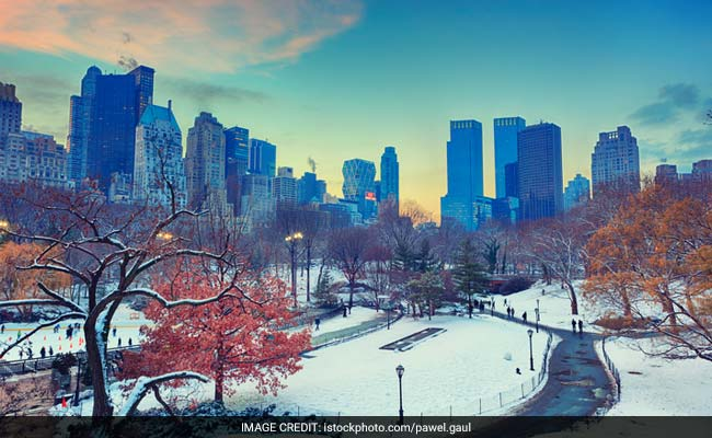 Blizzard Rolls Into Northeast US: Flights Canceled, Schools Shut