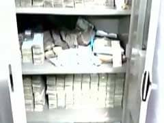 ग्रेटर कैलाश में लॉ फर्म के दफ्तर पर छापा, जब्त किए गए 10 करोड़ रुपये में ढाई करोड़ के नए नोट