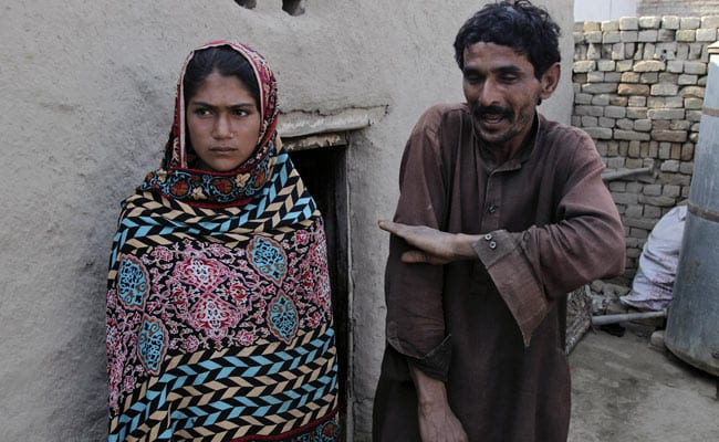In A Pakistan Family, Deal Is Made, A Girl Is Given As Bride