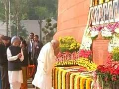 जब 15 बरस पहले लोकतंत्र का मंदिर हुआ लहुलूहान...संसद में दी गई श्रद्धांजलि