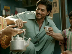 'रईस' में तीन लुक में नजर आएंगे शाहरुख खान, शुरुआत में होगा 80 के दशक का स्टाइल