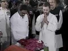 Congress Vice President Rahul Gandhi Pays Tributes To Jayalalithaa