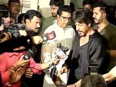 SRK Meets Raj Thackeray On <i>Raees</i>, 'Assures' Him On Pak Actor Rumour