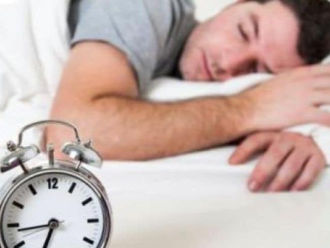 Less Sleep Can Cause You Some Heart Problems In hindi