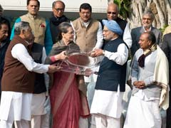 Manmohan Singh, Congress Leaders Greet Sonia Gandhi On Her Birthday