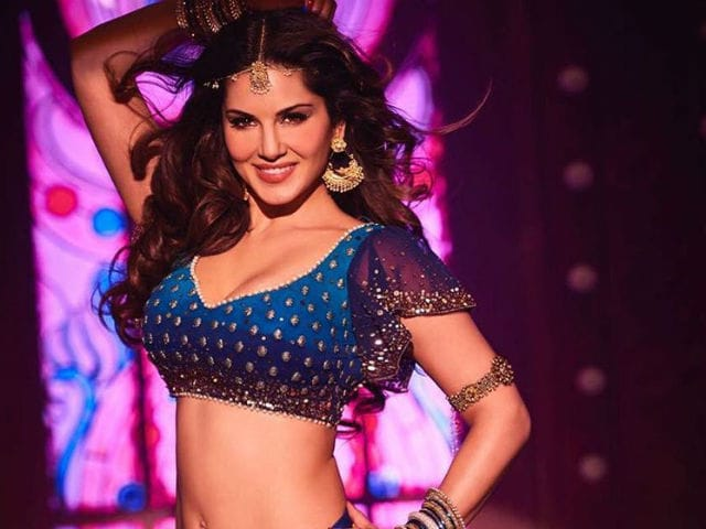 Raees Song: Sunny Leone's Laila Main Laila Sends Twitter Into Meltdown