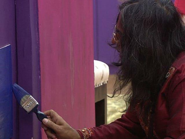Bigg Boss 10, December 21: Swami Om Breaks Door, Now Repairs It