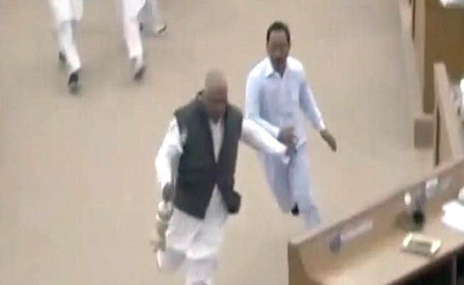 Tripura Lawmaker Runs Away With Speaker S Mace Chased By