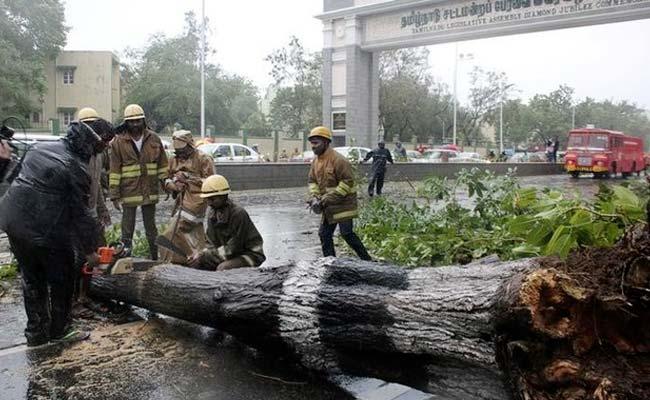 चेन्नई : चक्रवाती तूफान वरदा से चार की मौत, 16000 लोगों को सुरक्षित स्थान पर ले जाया गया
