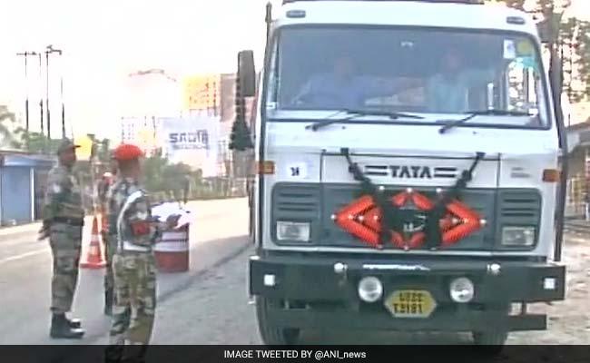 टोल प्लाजा पर सेना की मौजूदगी विवाद: 30 घंटे बाद दफ्तर से निकलीं ममता बनर्जी -10 बातें