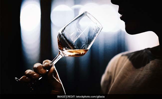 होली पर बिहार में 'फेल' रहा पूर्ण शराबबंदी, 6366 लीटर शराब जब्त