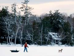Winter Storm Socks US New England Region, Snaps Power Lines