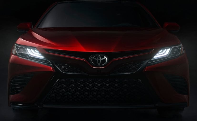 2018 toyota camry front