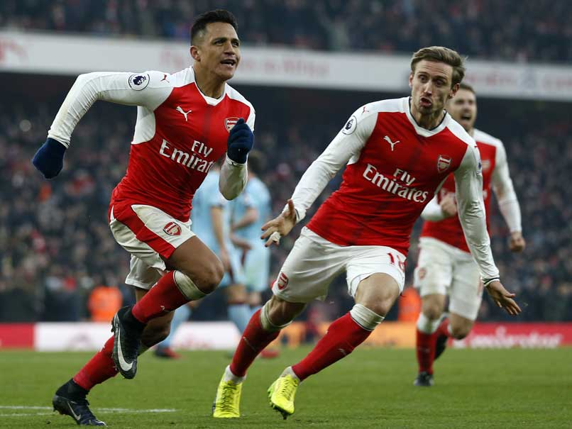 Premier League: Ten-Man Arsenal Beat Burnley 2-1, Southampton Blank Leicester 3-0
