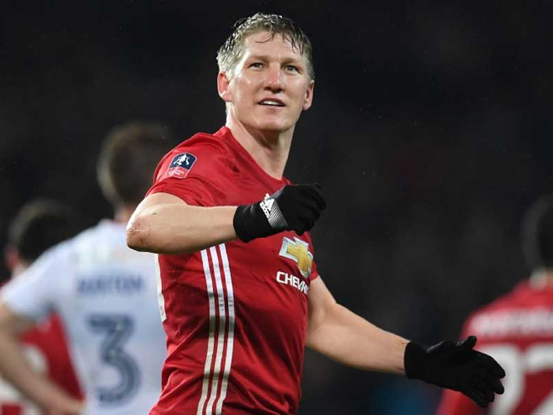 FA Cup: Bastian Schweinsteiger Scores as Manchester United Cruise