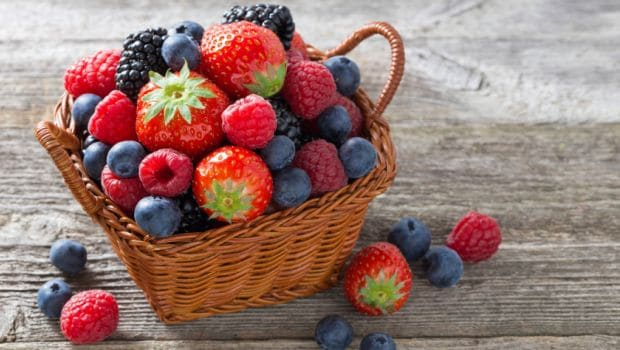 6 Low-Carb Fruits that help loosing weight