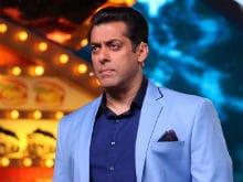<I>Bigg Boss 10</I>, January 14: Salman Khan Asks Bani And Lopa To Hug Each Other