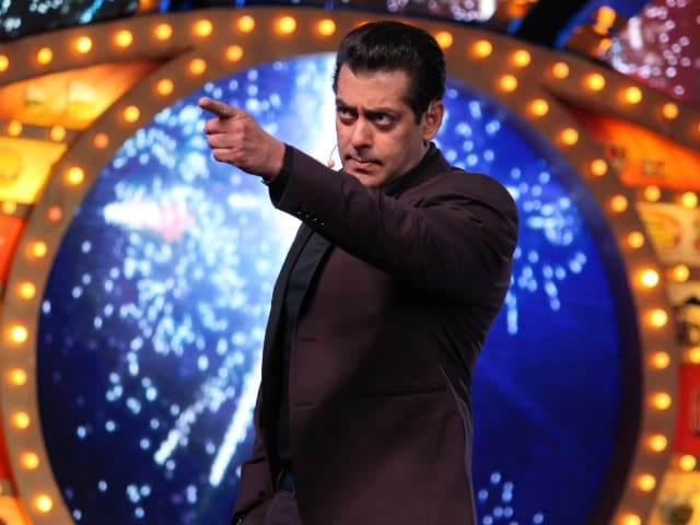 Bigg Boss 10, January 1: Salman Khan Is Back With His Reviews For The Contestants