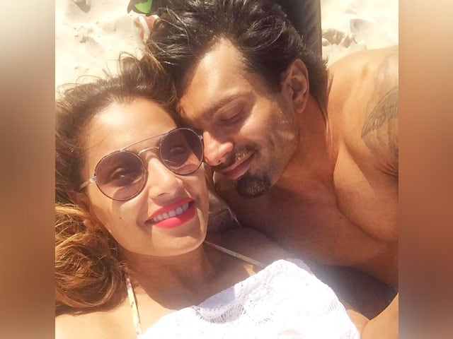 Bipasha Basu's Birthday Celebrations In Pics And Videos
