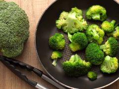 Men's Health: Eating Broccoli May Lower Risk of Prostate Cancer