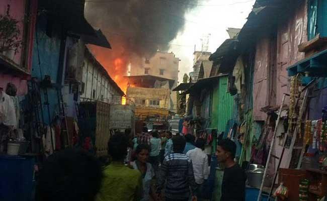 जयपुर : मां और मासूम बेटी की घर में आग लगने से संदिग्ध परिस्थितियों में मौत